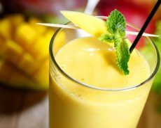 Tất tần tật các cách làm sinh tố xoài thơm ngon bổ dưỡng cho cả nhà