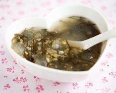 Cách nấu chè đậu xanh rong biển trong veo không bị sượng